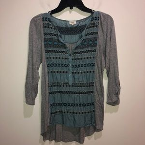 Tiny Anthropologie Size M Gray/Blue Pop Over Top